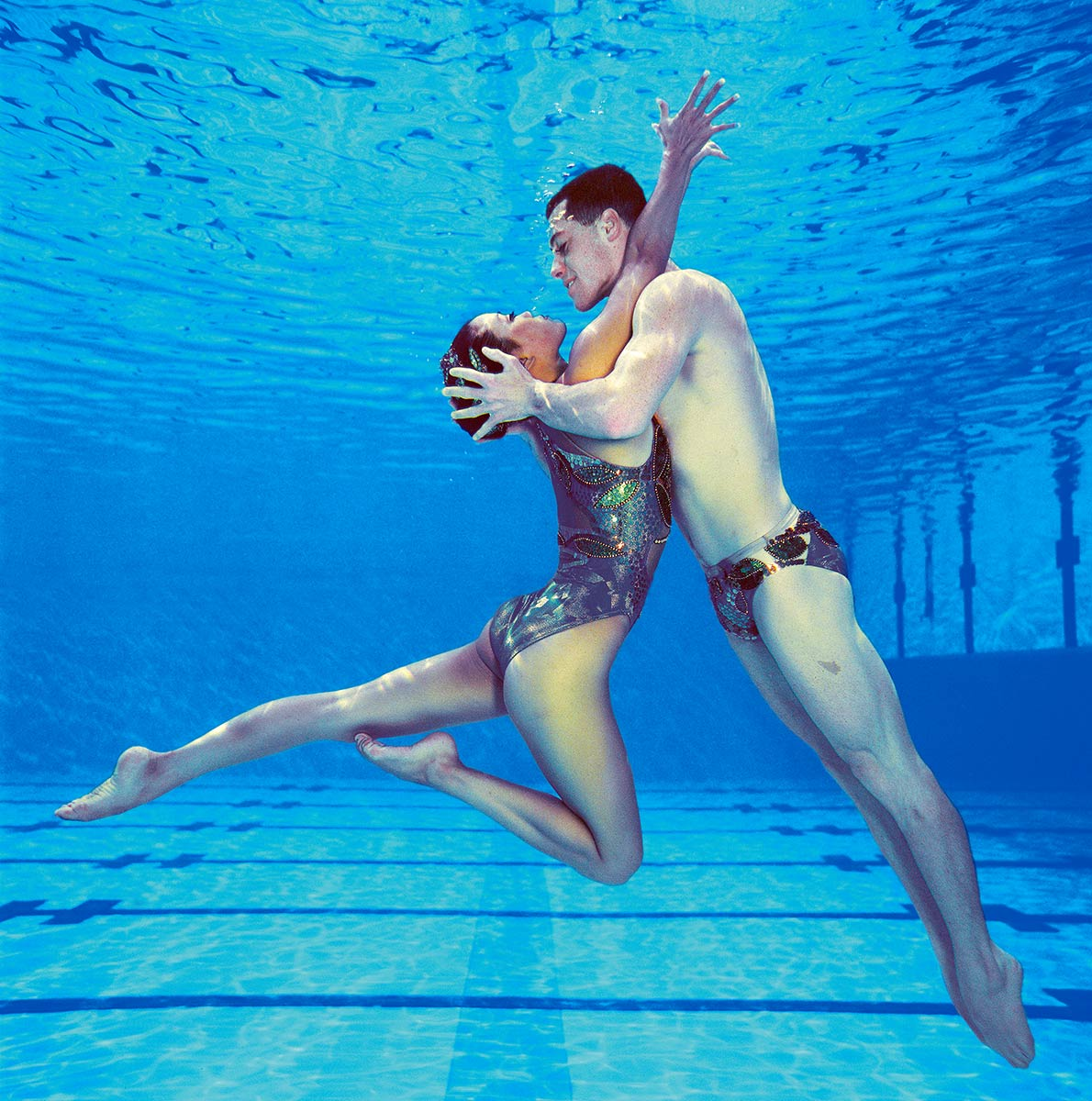 Lgbt Synchronised Swimmers Compete In The Gay Games